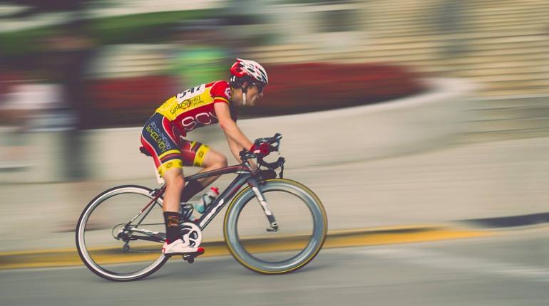 Спортивная школа олимпийского резерва имени Владимира Коренькова проведет традиционные соревнования по велосипедному спорту на шоссе. Автомобилистам стоит учесть изменения на дорогах в момент проведения этого мероприятия.