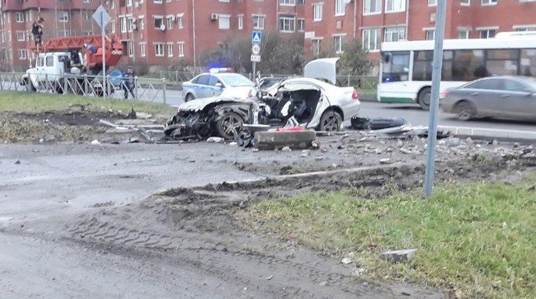 Смертельное ДТП в Пушкине: Mercedes «оформил сальто»