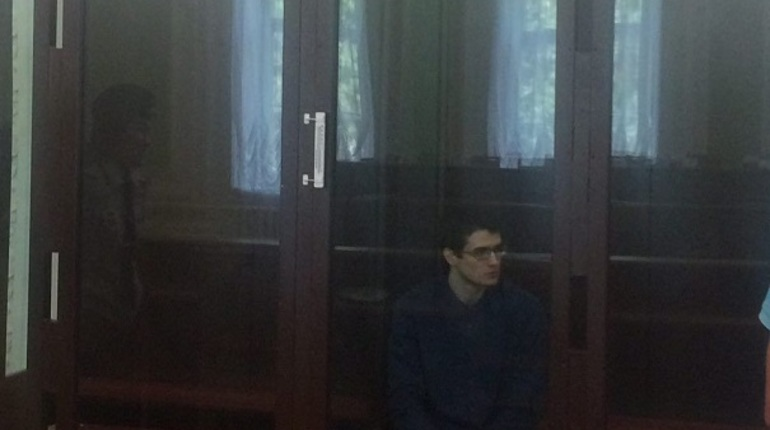 Московский окружной военный суд огласил приговор в отношении Евгения Ефимова. Он был признан виновным за подготовку к террористическому акту в Казанском соборе.