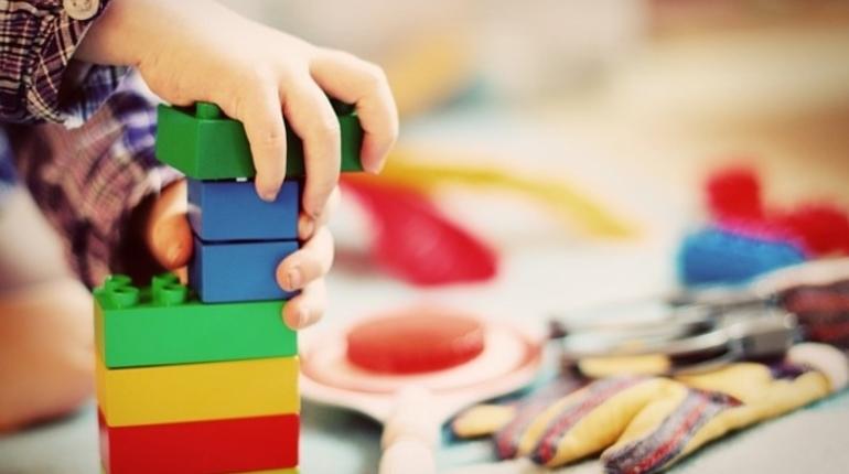 Вице-губернатор Санкт-Петербурга Константин Серов и депутат Госдумы РФ Виталий Милонов сегодня, 9 августа, посетили открытие нового детского сада в Шушарах.