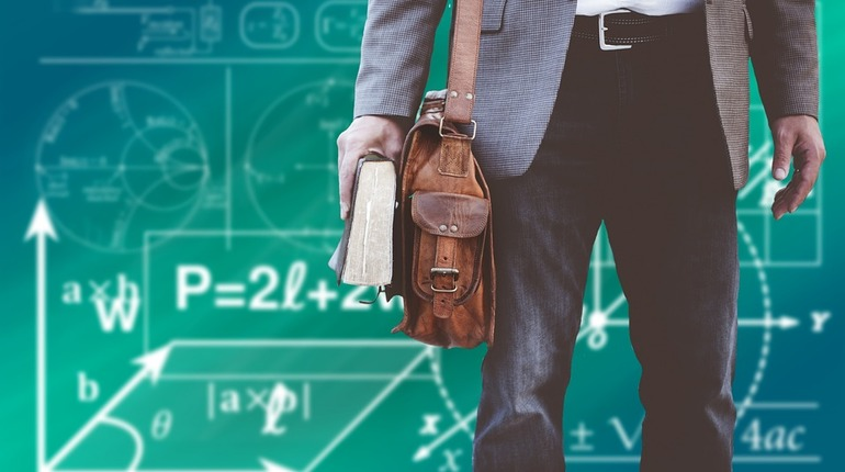В Петербурге проверят педагогов