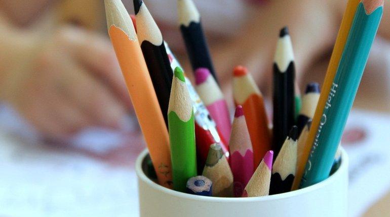 Петербургское управление Роспотребнадзора откроет горячую линию по вопросам качества и безопасности школьных товаров. Работать она будет с 16 августа по 4 сентября.