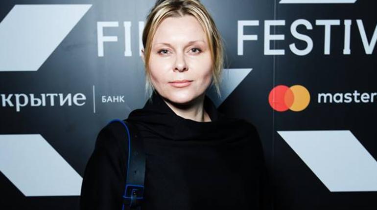 Актриса Яна Троянова, выступающая организатором несанкционированного