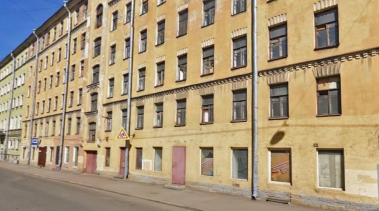 Петербургского грабителя задержали на месте преступления. Злоумышленник пробрался в магазин в центре города, чтобы похитить моющие средства.