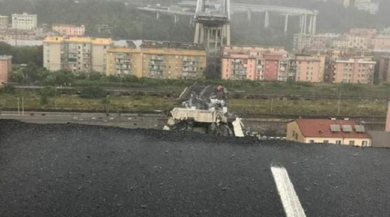 Трагедия в Генуе, где 14 августа рухнул автомобильный мост Моранди, приковала внимание властей к семейству Бенеттон, которое владеет Benetton Group. Это компания производит одежду и аксессуары, а также является крупнейшим акционером итальянского оператора платных дорог - Autostrade per l'Italia.