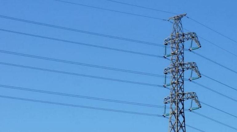 Жители Всеволожского района остались без электричества. В Кудрово пришлось экстренно отключить электроснабжение из-за аварии.