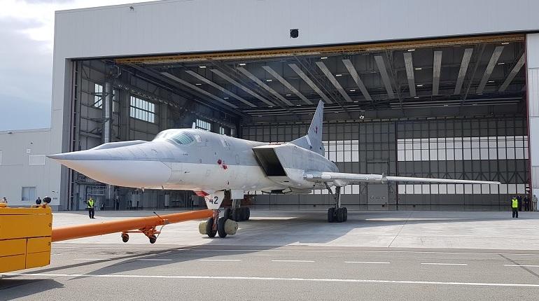 В Казани на территории Казанского авиационного завода имени С.П. Горбунова состоялась выкатка первого модернизированного ракетоносца-бомбардировщика Ту-22М3М.