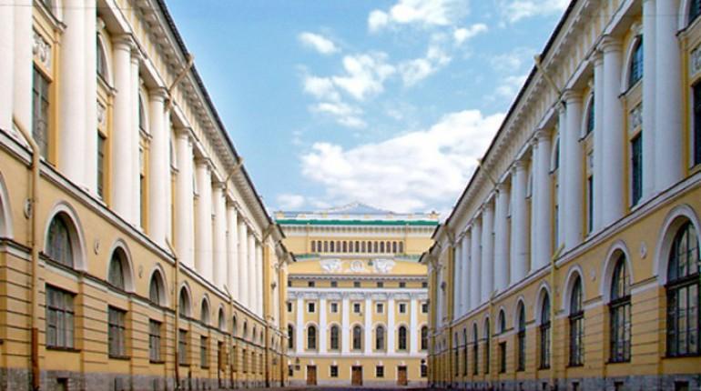Контракт на реставрацию фасадов Вагановского училища в центре Петербурга, ценой в 80 миллионов рублей, получило зарегистрированное в Крыму ООО