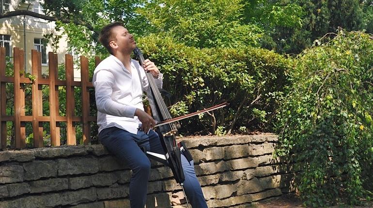 В Ботаническом саду в эти выходные стартует проект Summer Music Park. Организаторы обещают погрузить слушателей  в романтичную атмосферу и волшебство музыки от классики до рока.