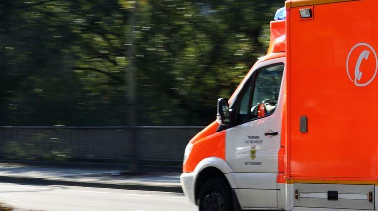 На трассе Париж - Реймс в коммуне Виллер-Агрон-Эгизи региона Пикардия произошло дорожно-транспортное происшествие, в котором пострадали девять человек. Выяснилось, что автобус перевозил детей от 3 до 13 лет.