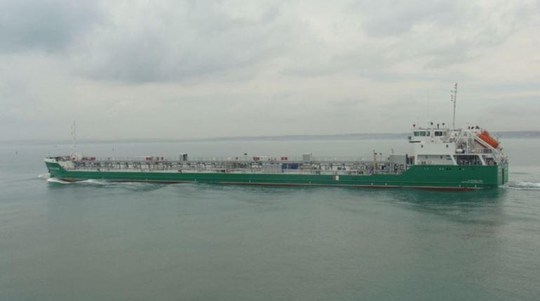 Уже шестой день украинская сторона продолжает незаконно удерживать российский танкер. Экипаж судна