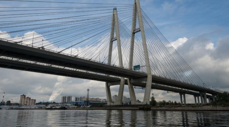 На участке внешнего кольца КАД на Большом Обуховском мосту с 20 августа введут ограничения движения.