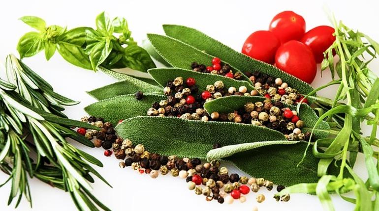 Россельхознадзор не пропустил в Петербург около 9 тонн сушенных трав. Петрушка, базилик и майоран не смогли пройти фитосанитарный контроль.
