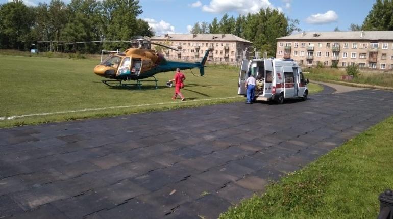 Пожилому жителю Ленобласти срочно понадобилась медицинская помощь, его экстренно госпитализировала Национальная служба санитарной авиации.
