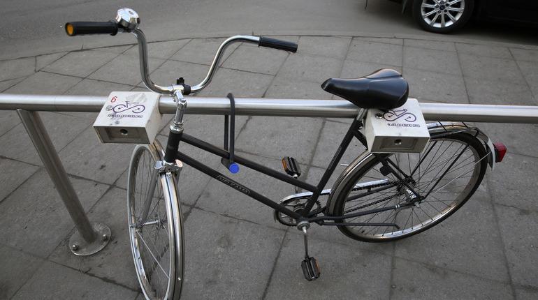Полиция задержала молодого мужчину, подозреваемого в краже велосипеда в Полежаевском парке. Мужчина стащил двухколесный транспорт у 33-летней петербурженки.