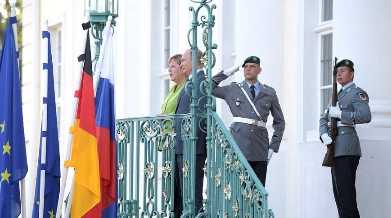 Российский президент Владимир Путин перед переговорами с канцлером ФРГ Ангелой Меркель заявил, что энергетика – одно из главных направлений сотрудничества между странами.