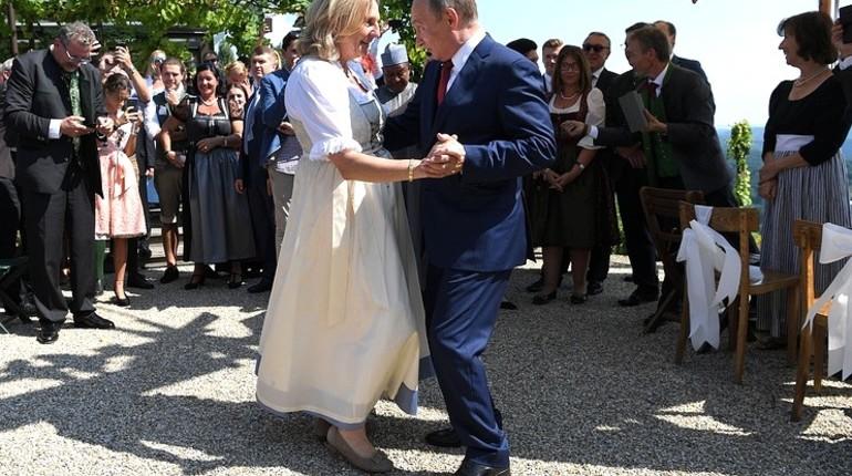 Кубанский казачий хор выступил на свадьбе главы МИД Австрии