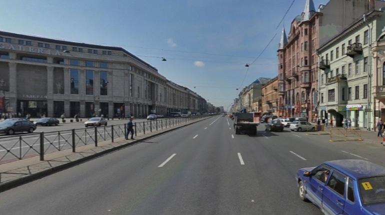 В Петербурге частично ограничивают движение по Лиговскому проспекту. Свободно проехать в центре города нельзя будет до 15 сентября.
