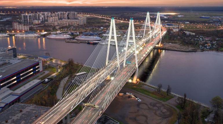 С 20 августа на Вантовом мосту почти на месяц перекроют две полосы. Там стартуют работы по замене деформационного шва.