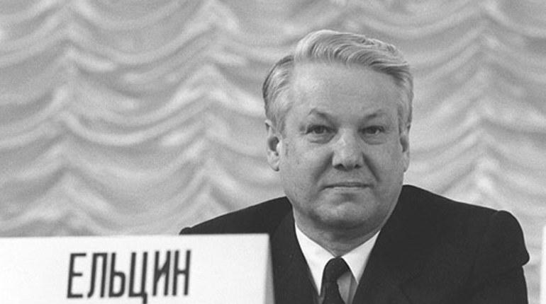 Руцкой рассказал о попытках Ельцина сбежать во время путча