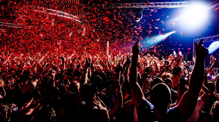 В последнюю субботу лета 2018 года в Петербурге состоится фестиваль музыки, спорта и современных технологий iPort.