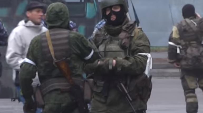 Центр Луганска захватили люди вформе— свидетели