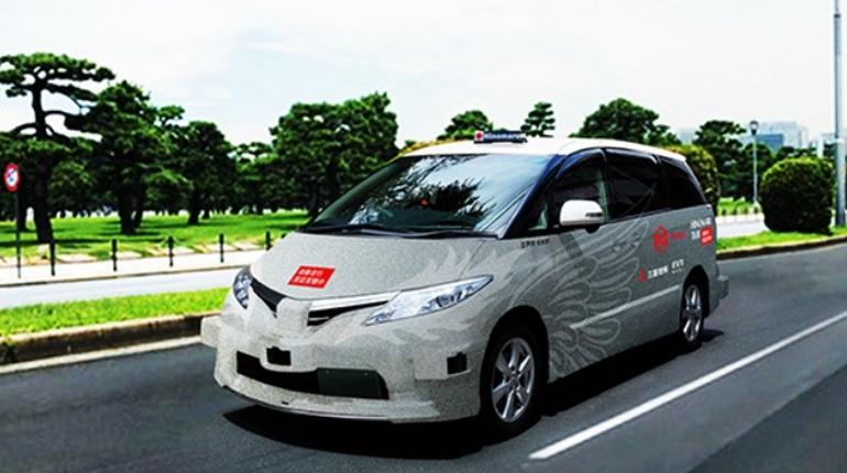 В Токио компания Hinomaru Kotsu вместе с фирмой ZMP запустило сервис беспилотного такси. Пока он работает в тестовом режиме.