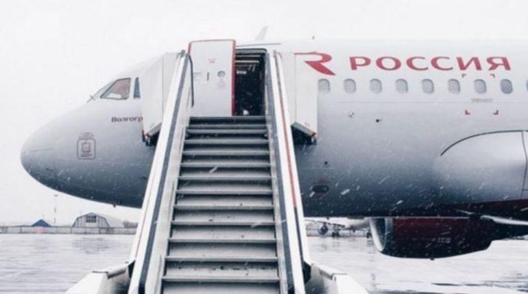 Рейс из Пулково на Родос задержали почти на час из-за буйного пассажира. В авиакомпании