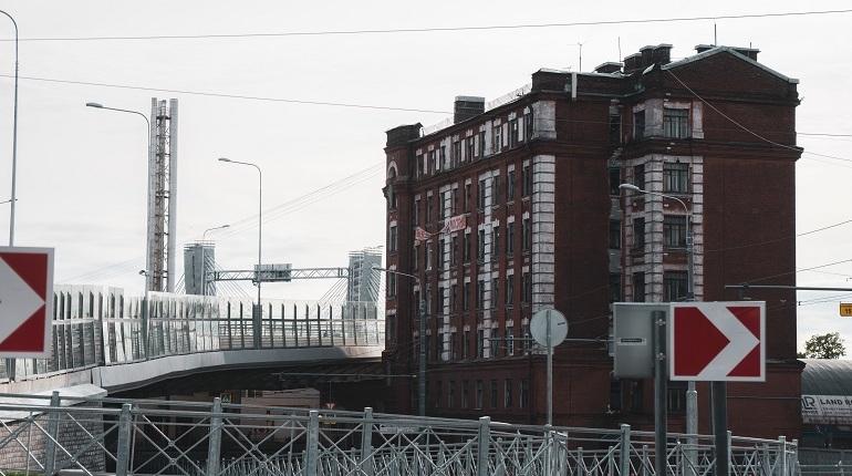 Из центра на окраины: куда расселяют жильцов дома под мостом Бетанкура