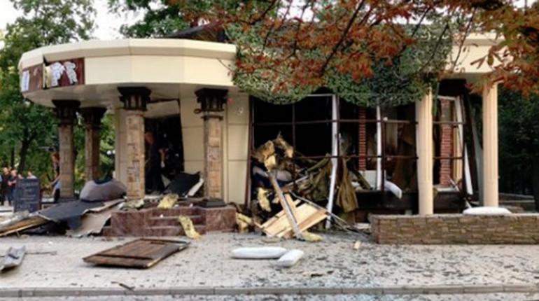 Вместе с Александром Захарченко при взрыве в ресторане