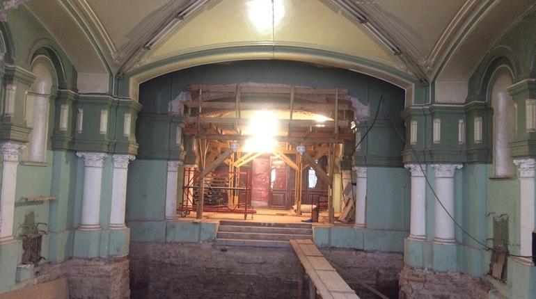 В здании Университета ИТМО уничтожили историческую плитку