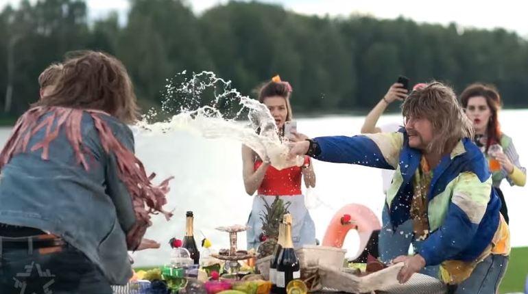 Только за одни сутки клип Киркорова и Баскова набрал более 900 тысяч просмотров