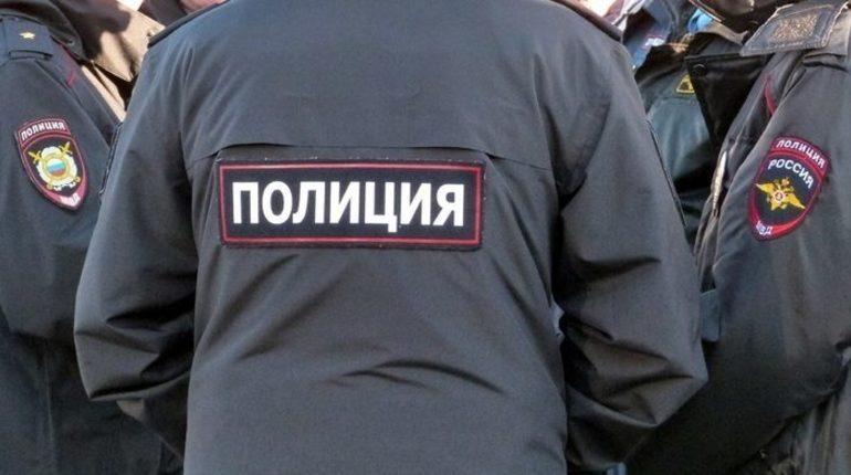 Пенсионер повздорил с работником ТЦ на Невском