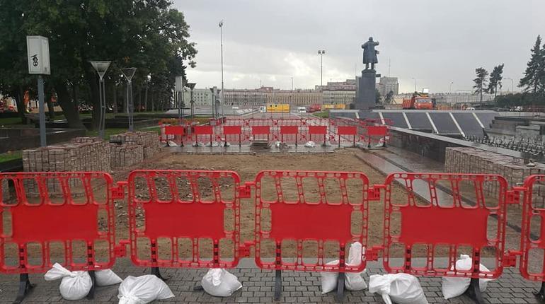Площадь Ленина в Петербурге перекопали