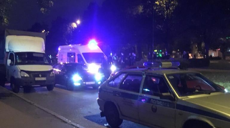 Вооруженные разбойники напали на прохожих на Гражданском проспекте