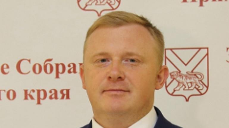 Голодовка кандидата от КПРФ на пост губернатора Приморского края Андрея Ищенко не продлилась и сутки. Протестовать он перестал уже через 12 часов.