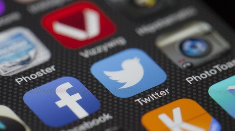 Роскомнадзор в декабре проверит Twitter и Facebook