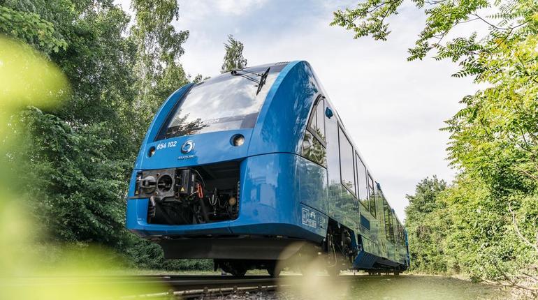 Первый в мире поезд, работающий на водородном топливе, запустили в Германии.