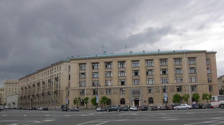 В Петербурге днем 18 сентября эвакуировали сразу несколько учреждений.