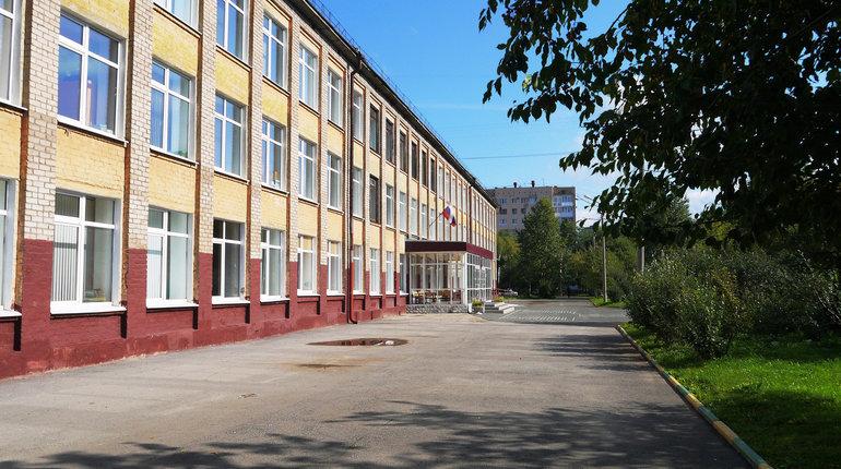В школе №111 Калининского района города Петербург учительница избила одного из учащихся. Мальчик в возрасте 13 лет получил сотрясение мозга. Инцидент произошел еще 11 сентября.