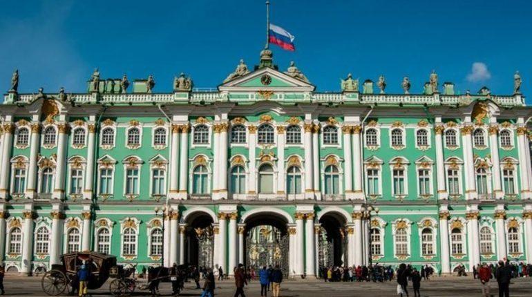 Эрмитаж стал самым посещаемым музеем в России. К такому выводу пришли в Министерстве культуры РФ.