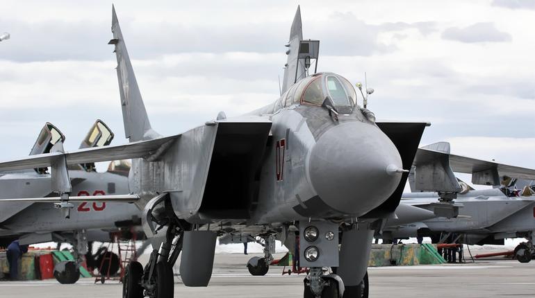 МиГ-31 разбился во время учебного полета по неизвестной причине. Истребитель отправился в учебный полет с авиабазы Саваслейка и разбился недалеко от поселка Молочная Ферма.