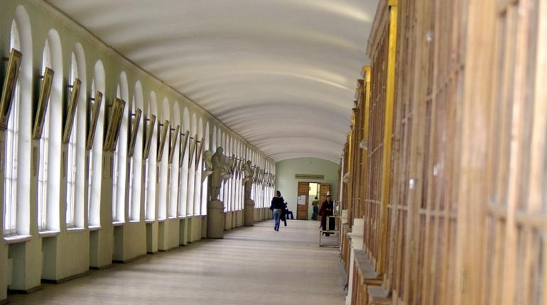 Следователи в Петербурге возбудили уголовное дело о получении взятки в отношении двух сотрудников Санкт-Петербургского государственного университета.
