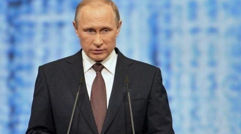 Владимир Путин выступит на пленарном заседании Евразийского женского форума, который проходит в Петербурге 19-21 сентября.