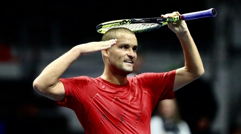 Теннисист Михаил Южный объявил о завершении своей блестяще карьеры после поражения на турнире St. Petersburg Open, который проходит в Петербурге.