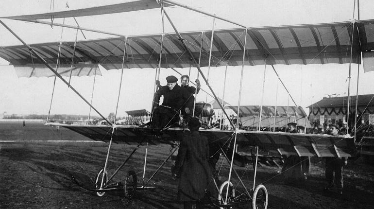 Новая Голландия и Праздник воздухоплавания: день в истории Петербурга