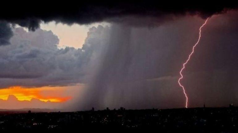 В Ленинградкой области 22-24 сентября ожидаются ливни, грозы и град.