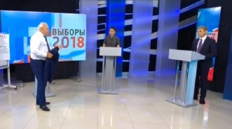 Глава Хакасии Виктор Зимин снял свою кандидатуру с выборов главы региона. Кандидат от