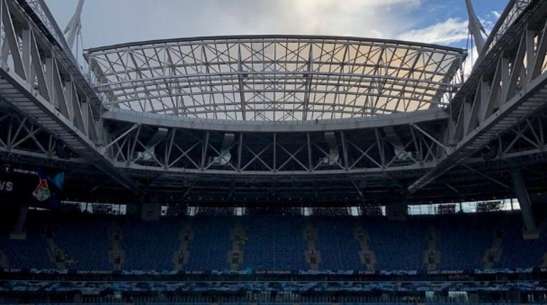 Печальный прогноз погоды не заставил крышу стадиона «Санкт-Петербург» закрыться. «Локомотиву» и «Зениту» играть придется под открытым небом.