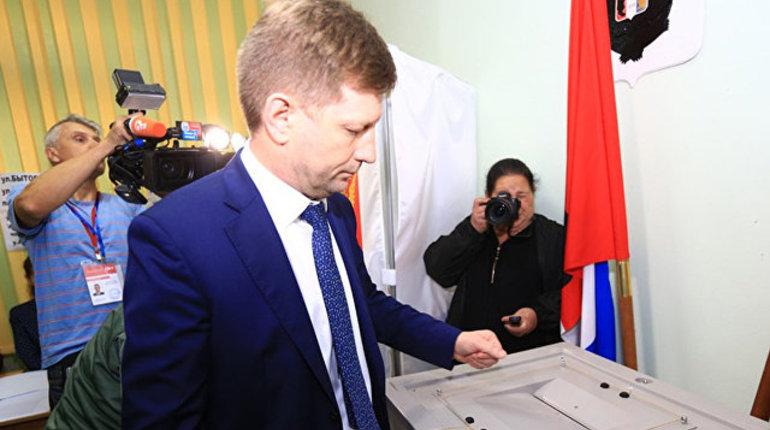 По данным Центральной избирательной комиссии, после обработки 100% бюллетеней на выборах губернатора Хабаровского края победу одержал кандидат от ЛДПР Сергей Фургал.